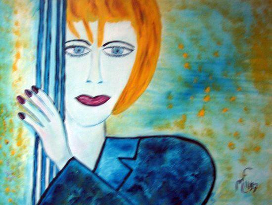 Femme bleue au coin de la porte
